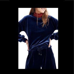 Madewell Velvet Ballon-Sweatshirt in navy blue
